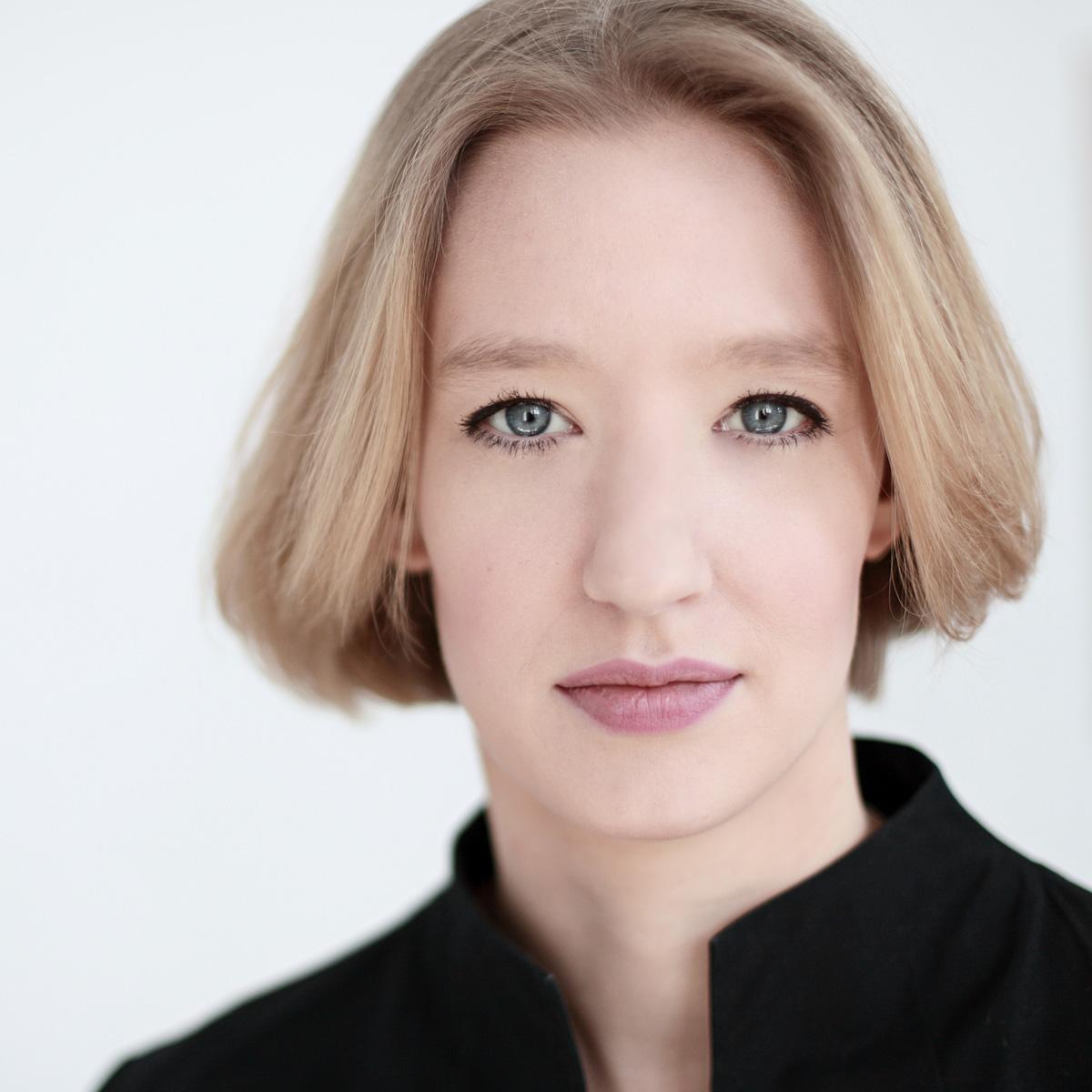 Joana Mallwitz, GMD Erfurt - Künstlerfotos von Nicolas Kröger